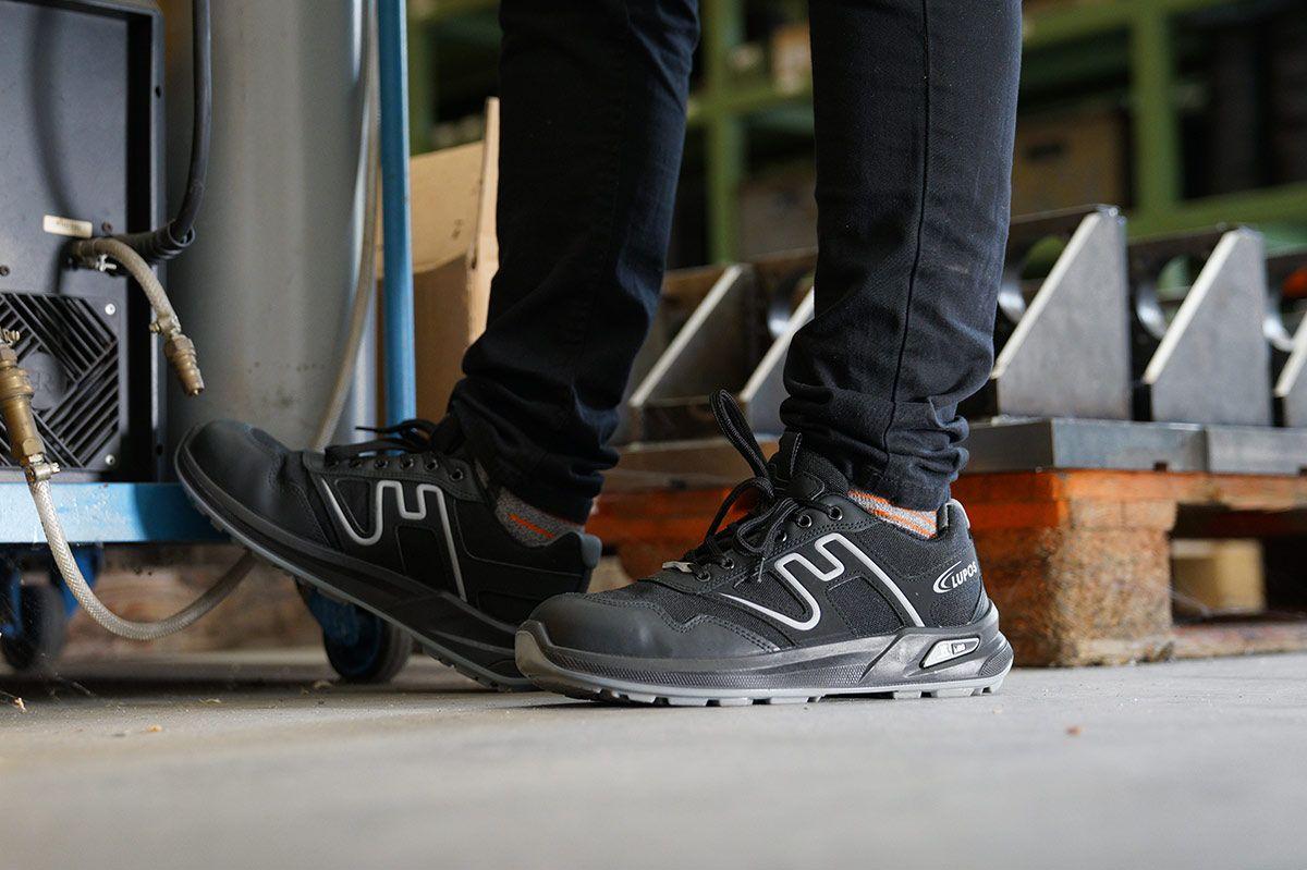 best sneakers 90b50 cb338 ARBEITSSCHUHE, DIE SPORTLICH AUSSEHEN? DIE LINIE SPORT VON ...
